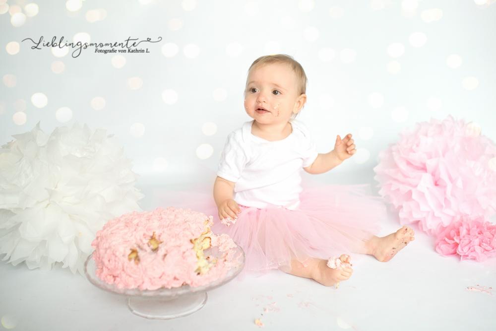 Cake-Smash_ratingen-duesseldor-heiligenhaus_essen_badeshooting_konfetti_fotograf (24)