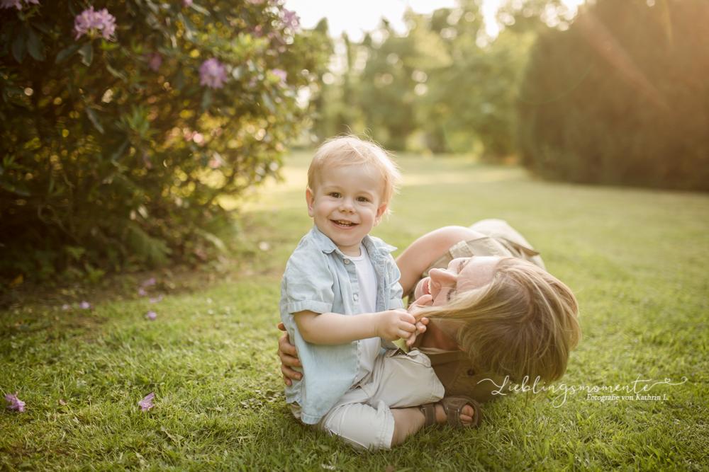 Familienfotos_ratingen-hoesel-breitschei-lintorf-kettwig-werden-heiligenhaus-velbert-mülheim-fotograf-kinderfotoshooting (8)
