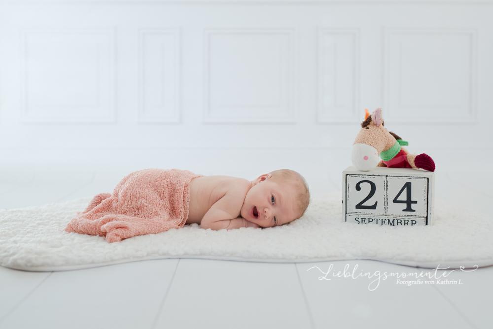 Newborn_fotografin_fotoshooting_hösel_lintorf_heiligenhaus_velbert_düsseldorf (12)