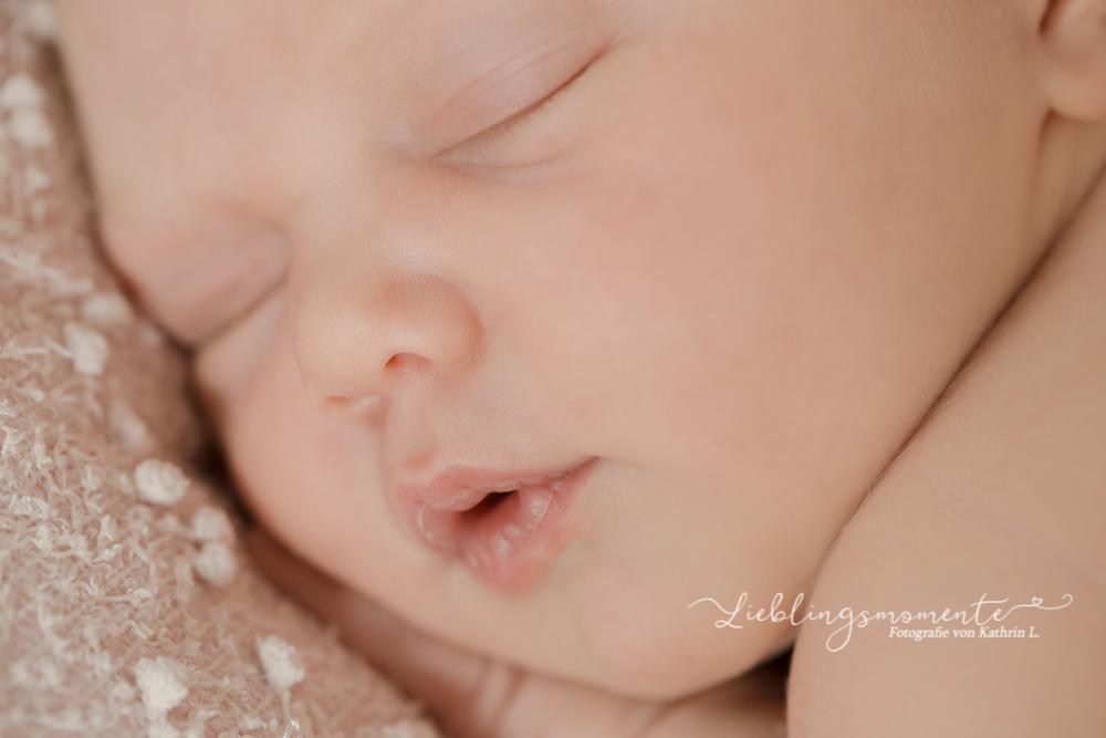 Newborn_fotografin_fotoshooting_hösel_lintorf_heiligenhaus_velbert_düsseldorf (5)